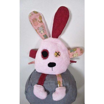 Halvány rózsaszín rongyi pajti,állat figurás füllecskével.