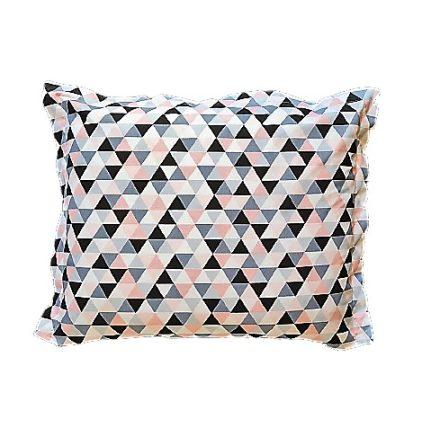 Rózsaszín háromszögek, alvó párna